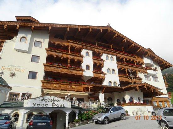 Ferienhotel Neue Post: Hotel Eingangsbereich