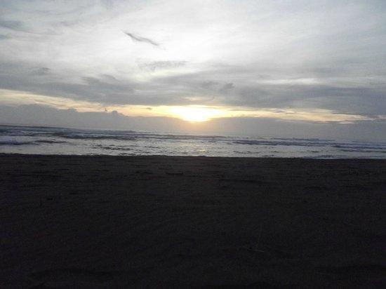 Turtle Beach Lodge : levé de soleil sur tortuguero