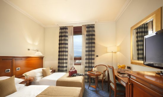 Best Western Premier Hotel Astoria: Twin room