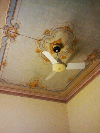 Soana City Rooms: particolare del soffitto