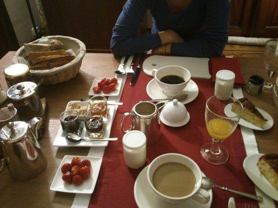 Cote Parc: breakfast - delicious!