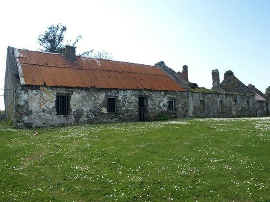 Scattery Island: The Street in the deserted village