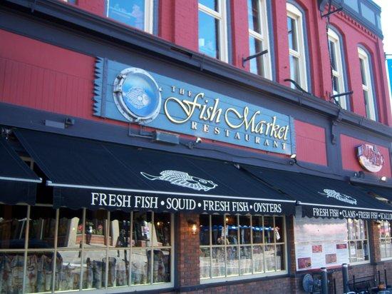 Facade du restaurant photo de the fish market for The fish market restaurant