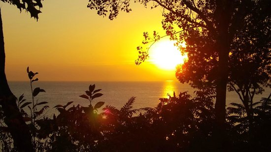 Auberge du Lac Saint-Pierre : magnifique coucher de soleil sur le fleuve
