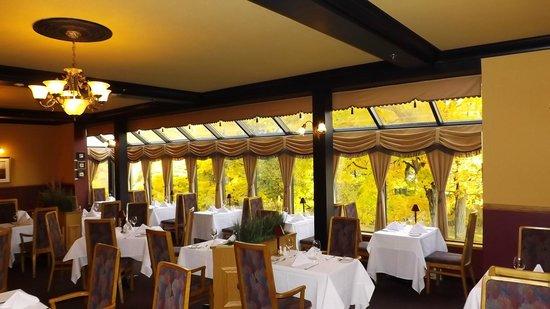 Auberge du Lac Saint-Pierre: la salle à manger