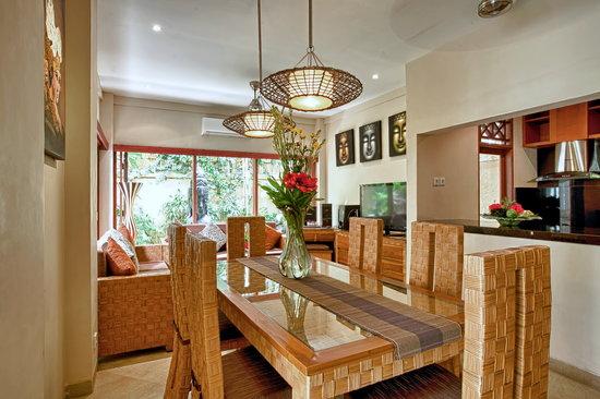 Villa Seriska Bali: Villa Seriska Dua, Seminyak Dining living room