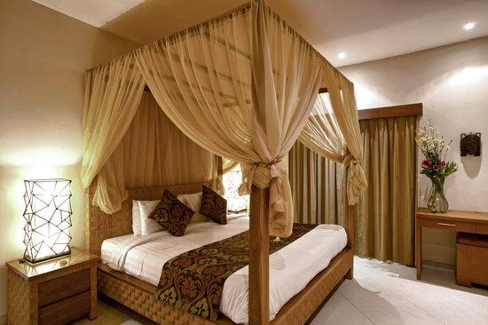 Villa Seriska Bali: Villa Seriska Dua, Seminyak Master bedroom