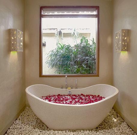 Villa Seriska Bali: Villa Seriska Dua, Seminyak Master bathroom