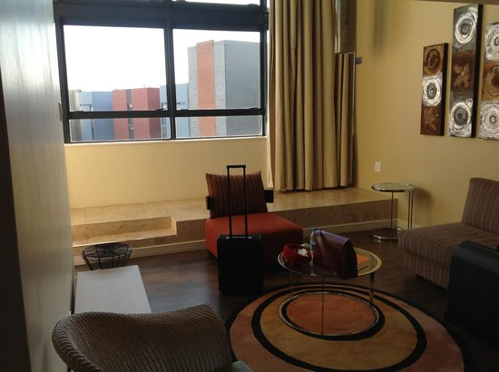 Protea Hotel Umhlanga Ridge: Downstairs