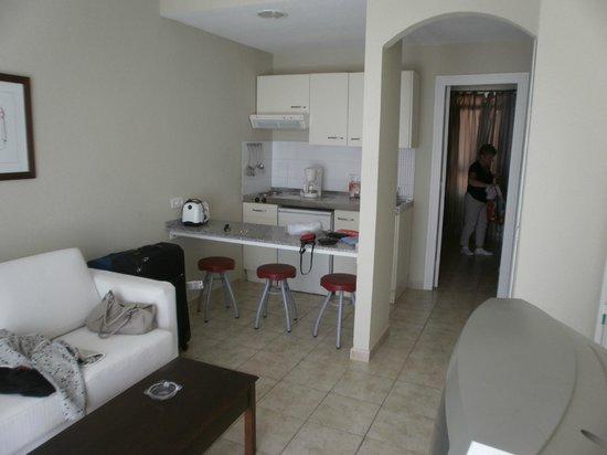Apartamentos Guacimeta Lanzarote: kitcen room area