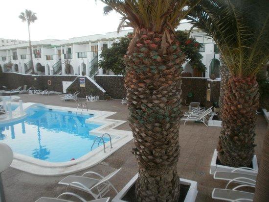 Apartamentos Guacimeta Lanzarote: pool area