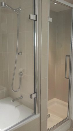 The Nadler Liverpool: Two showers!