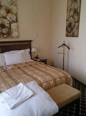 Grand Hotel Yerevan : Our suite room