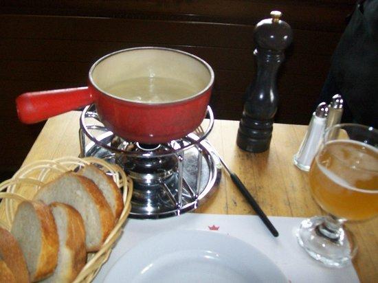 Auberge du Chalet-des-Enfants : Fondue à la Biere Artisanale de Jorat