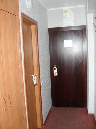 Tourist Hotel: 8