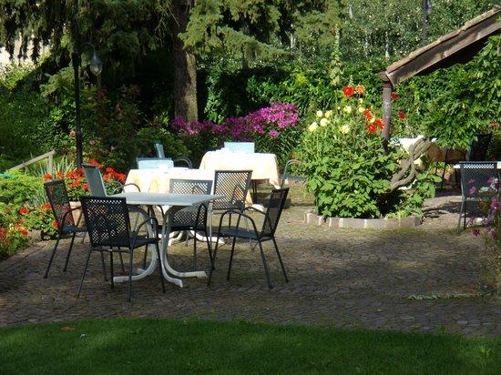 Unterhabsbergerhof: il girdino dove si gusta una splendida colazione