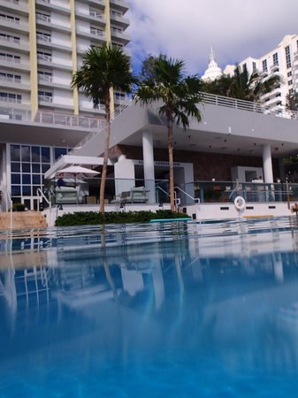 Royal Palm South Beach Miami A Tribute Portfolio Resort Swimming Pool Looking At