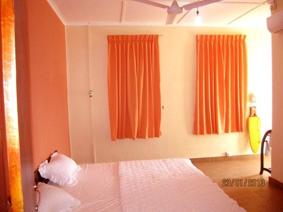 YMCA Tourist Hostel: Luxury Room A1 with balcony