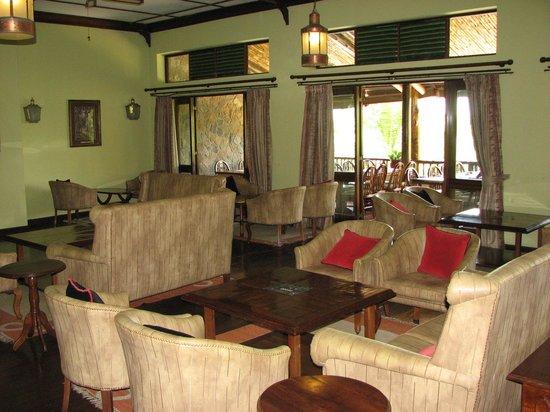 Paraa Safari Lodge: comfy lounge