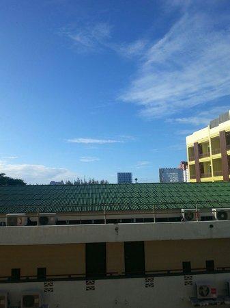 Wannara Hotel Hua Hin: Balcony view.