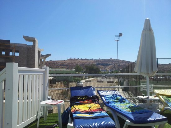 Eken Resort Hotel: udsigt fra poolen