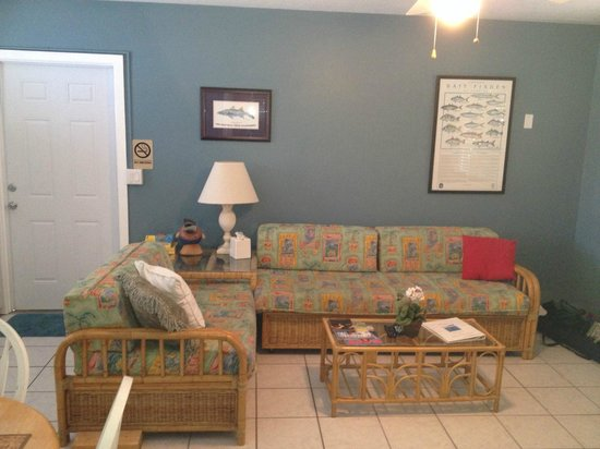 River Palms Cottages and Fish Camp: #15 living room