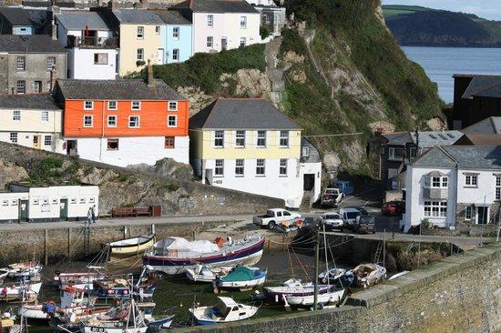 St Meva B&B: Harbour view