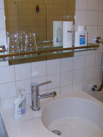 Noordbroek, Niederlande: Badkamer