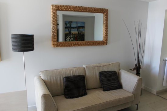 Grand Mercure Apartments Magnetic Island: Lounge Room (1 Bedroom Apartment)