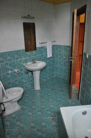 Hotel Gorillas City Center: Bathroom