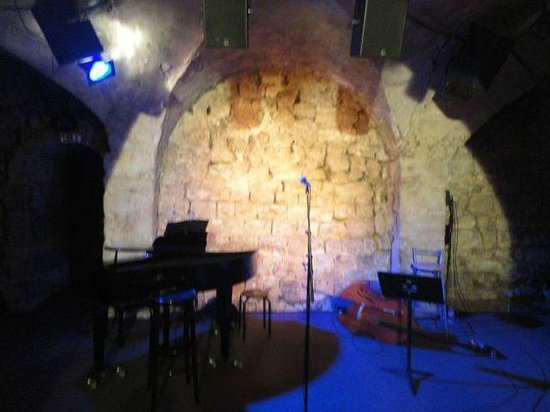Essaion Theatre : the stage inside the stone vaulted ceiling ~ perfect venue for such an intimate concert