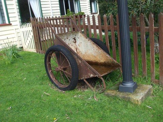 Glenbrook House and Cottage: Historical wheelbarrow