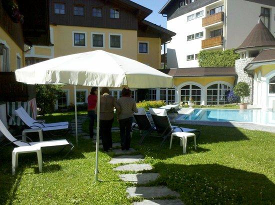 Romantik Hotel Zell am See: Jardim Interno