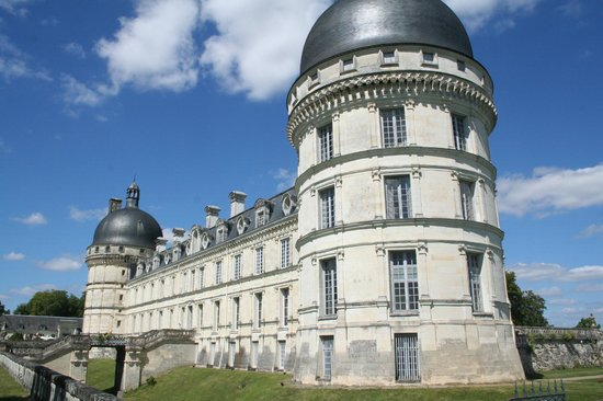 Chateau de Valencay : Chateau from the South West corner.
