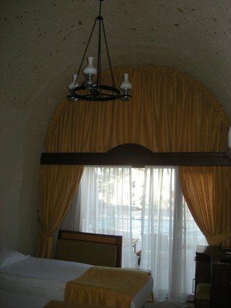 Uchisar Kaya Hotel: 部屋(プールが目の前でしかも、扉から出れる)