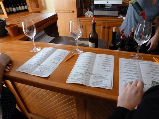 Jonathan Edwards Winery: Wine tasting with a list and description of the wines