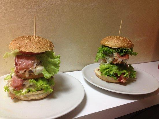 Spritz & Burger Hamburgeria : I migliori Hamburger Giganti