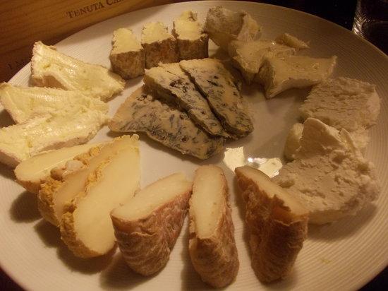Ostarie Vecjo Friul: Selezioni di formaggi di alta qualità, ordinati dal sapore più delicato a quello più forte!