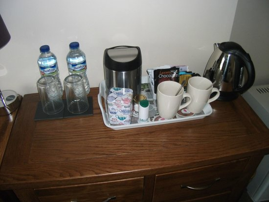 Griff House Bed & Breakfast: Tea and coffee making facilites