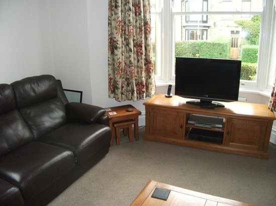 Griff House Bed & Breakfast: The guest living room to use if you wish