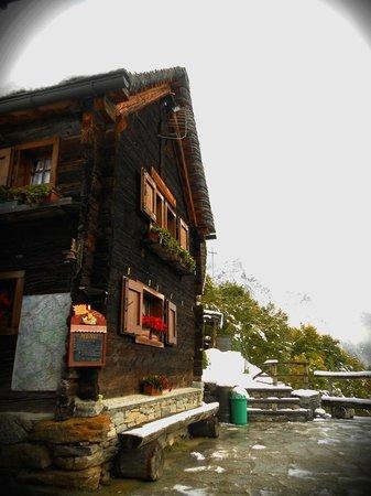 Rifugio Zum Gora : Rifugio visto dall'esterno