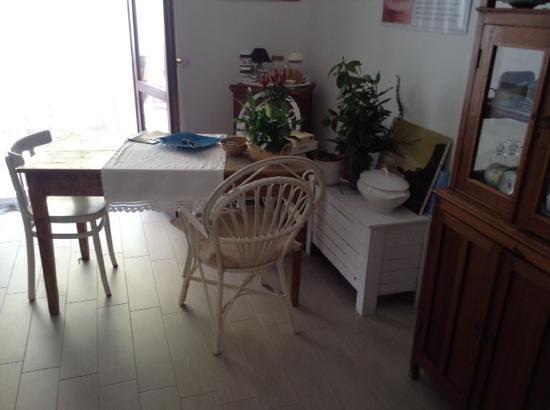 In Fondo Alla Via : living room