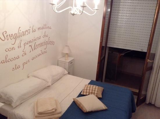 In Fondo Alla Via : letizia room