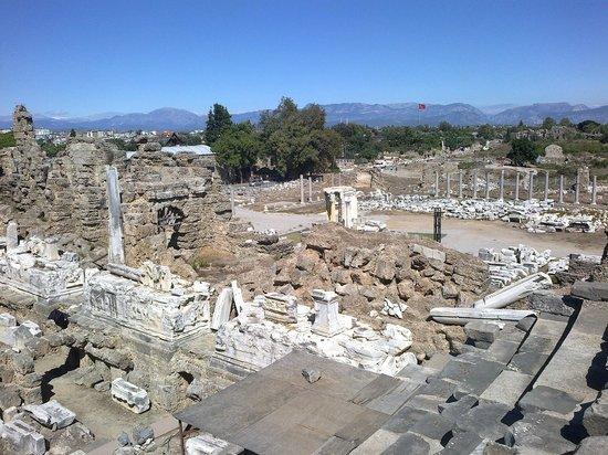 Античный театр - Picture of Greek Amphitheater, Side ...