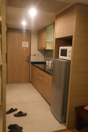 Golden Pearl Residences : Kitchen