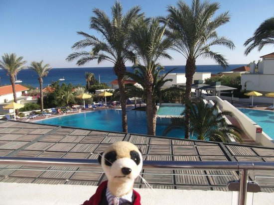 Mitsis Rodos Maris Resort & Spa: view of gary meerkat on balcony