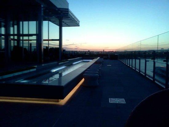 The Press Lounge: pool