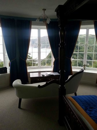 Lynton Cottage Hotel: bay room view