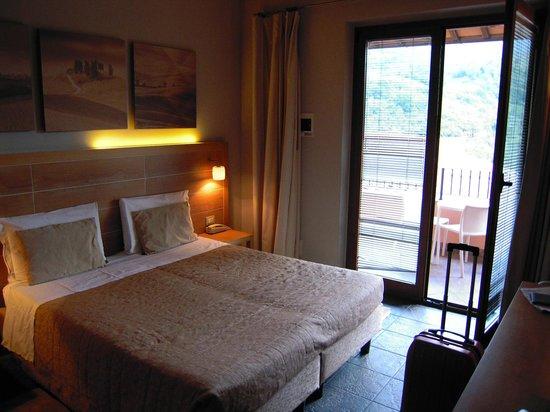 Meridiana Country Hotel: la chambre