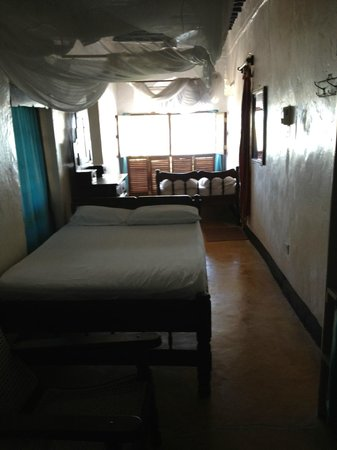 Shella Pwani Guest House: 2nd floor room